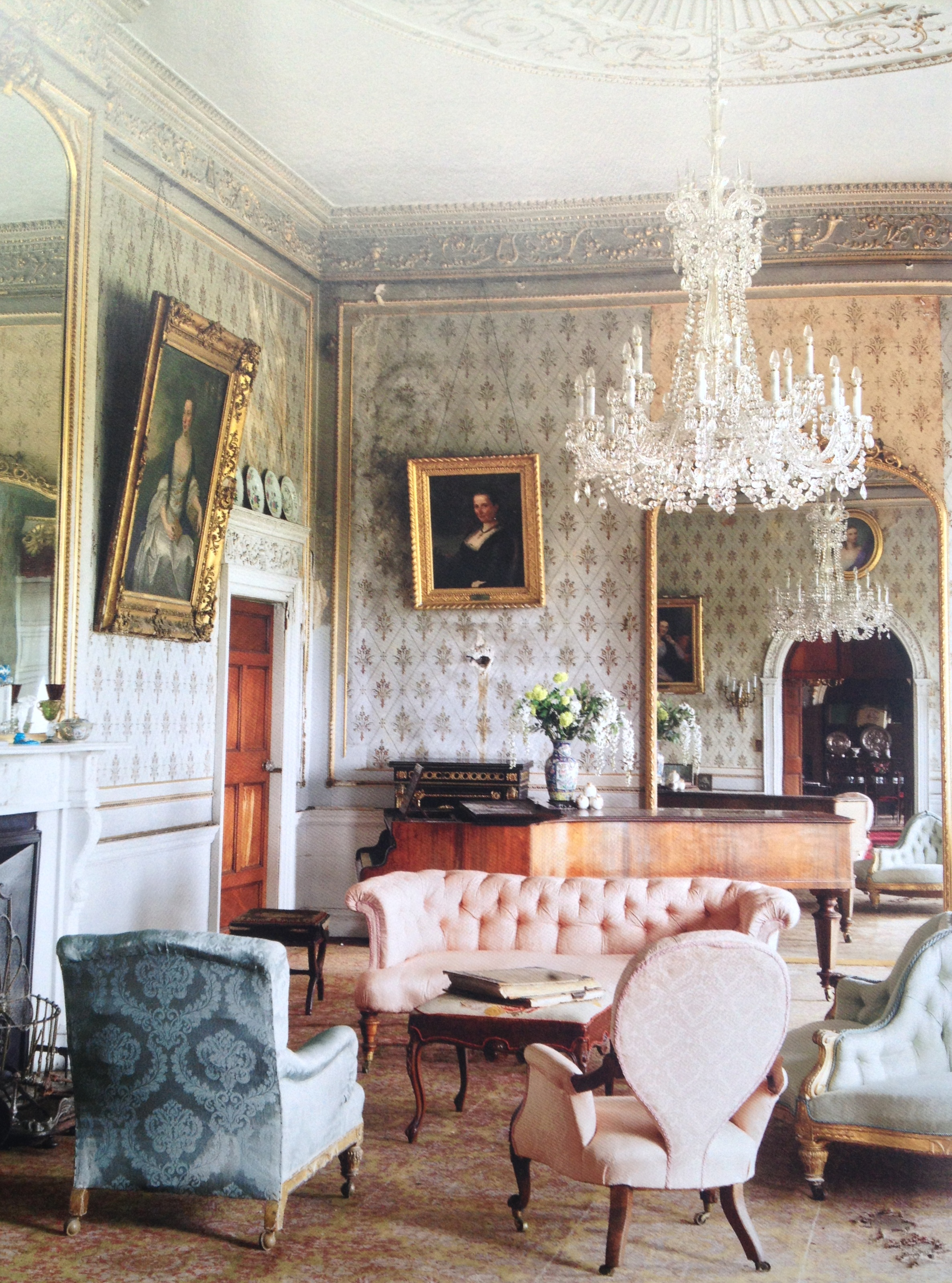 Nice irish country house interior faded glory http for Nice home interior