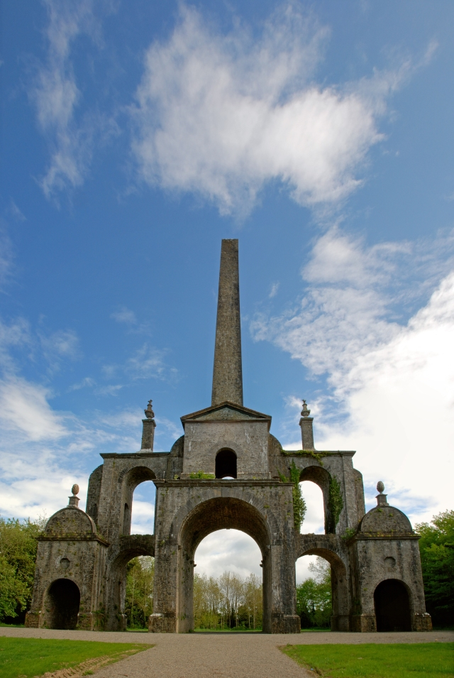 Conollys_Folly_-_the_obelisk