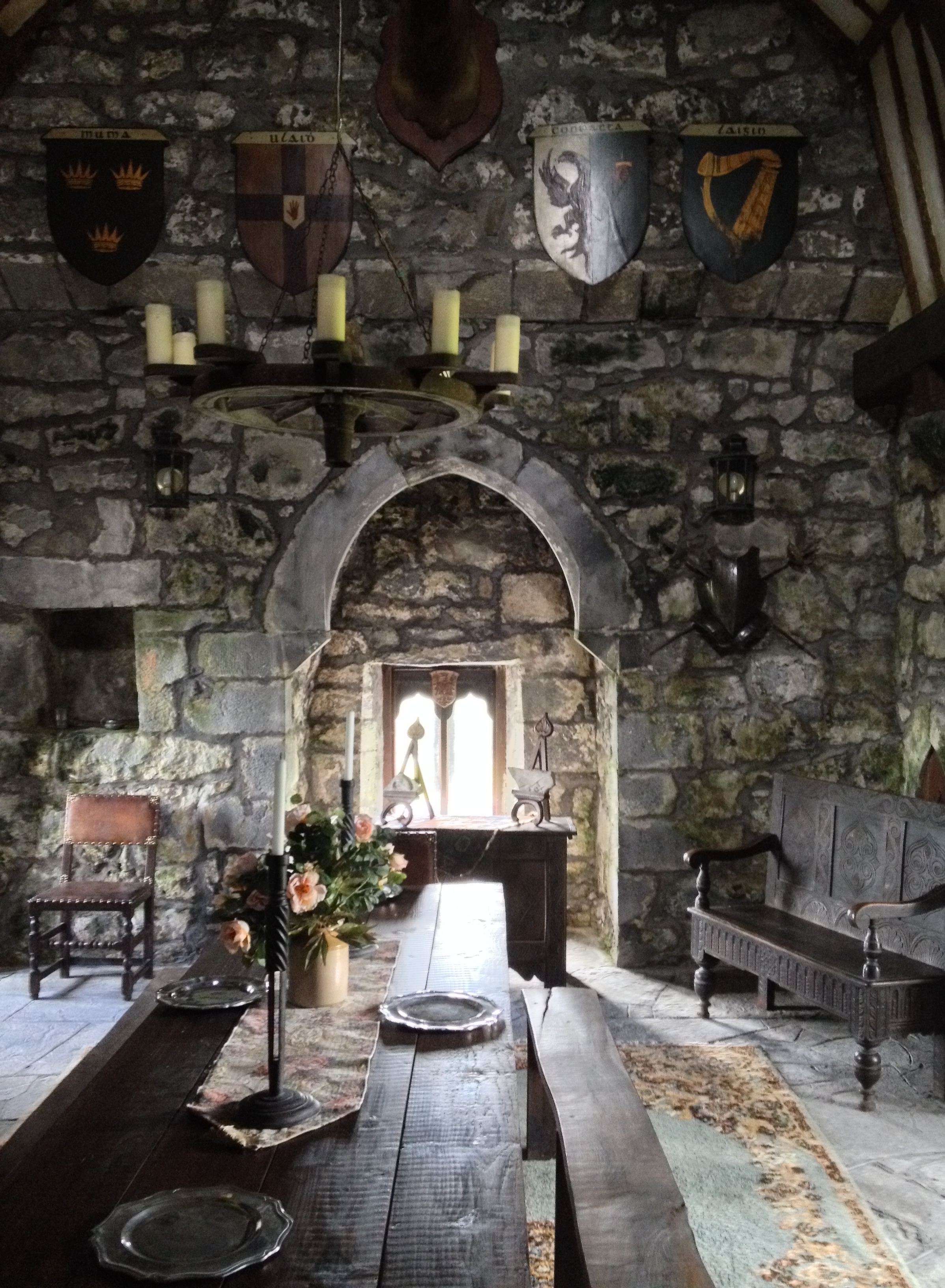Tulira castle the irish aesthete for Wall pictures for living room ireland
